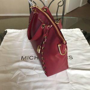 50e61f41547be4 Michael Kors Bags | Mk Large Sadie Satchel | Poshmark